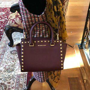 Authentic Michael Kors studded medium Selma handba